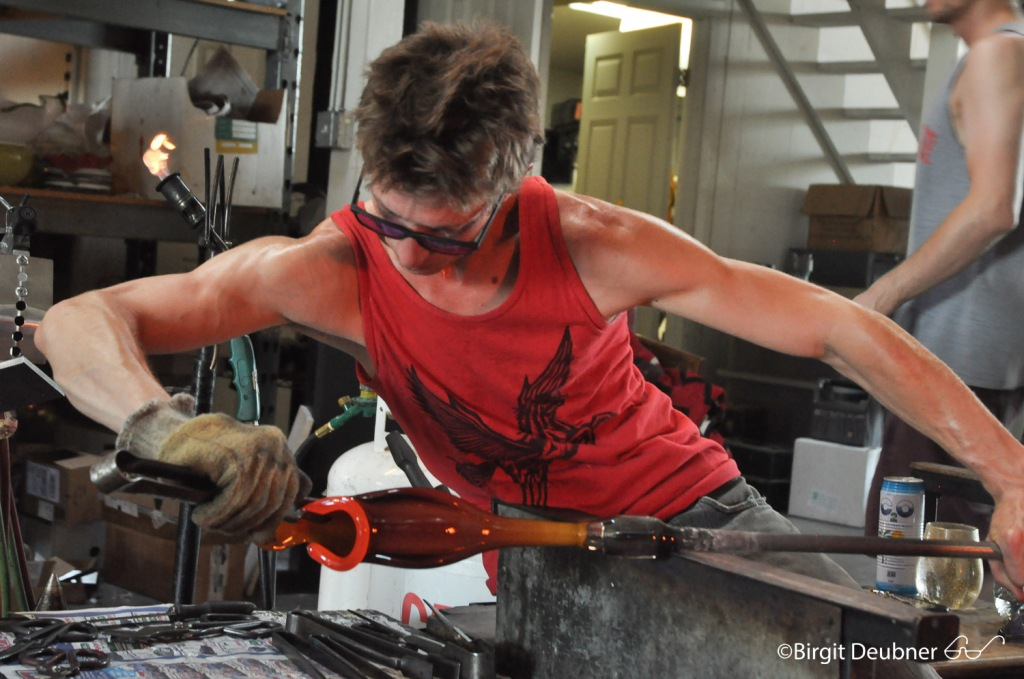 Evan Kolker at work, making a pitcher plant, September 2015 @ Glow Glass Studio in Oakland