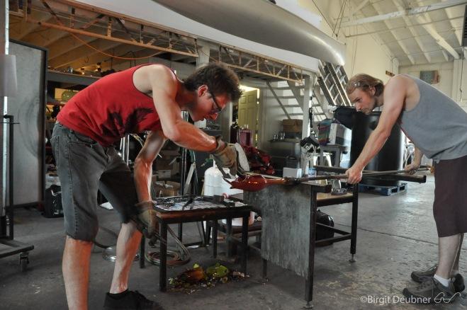 Glassmaker Evan Kolker at work @ Glow Glass Studio, assisted by J.Stropko (September 2015)